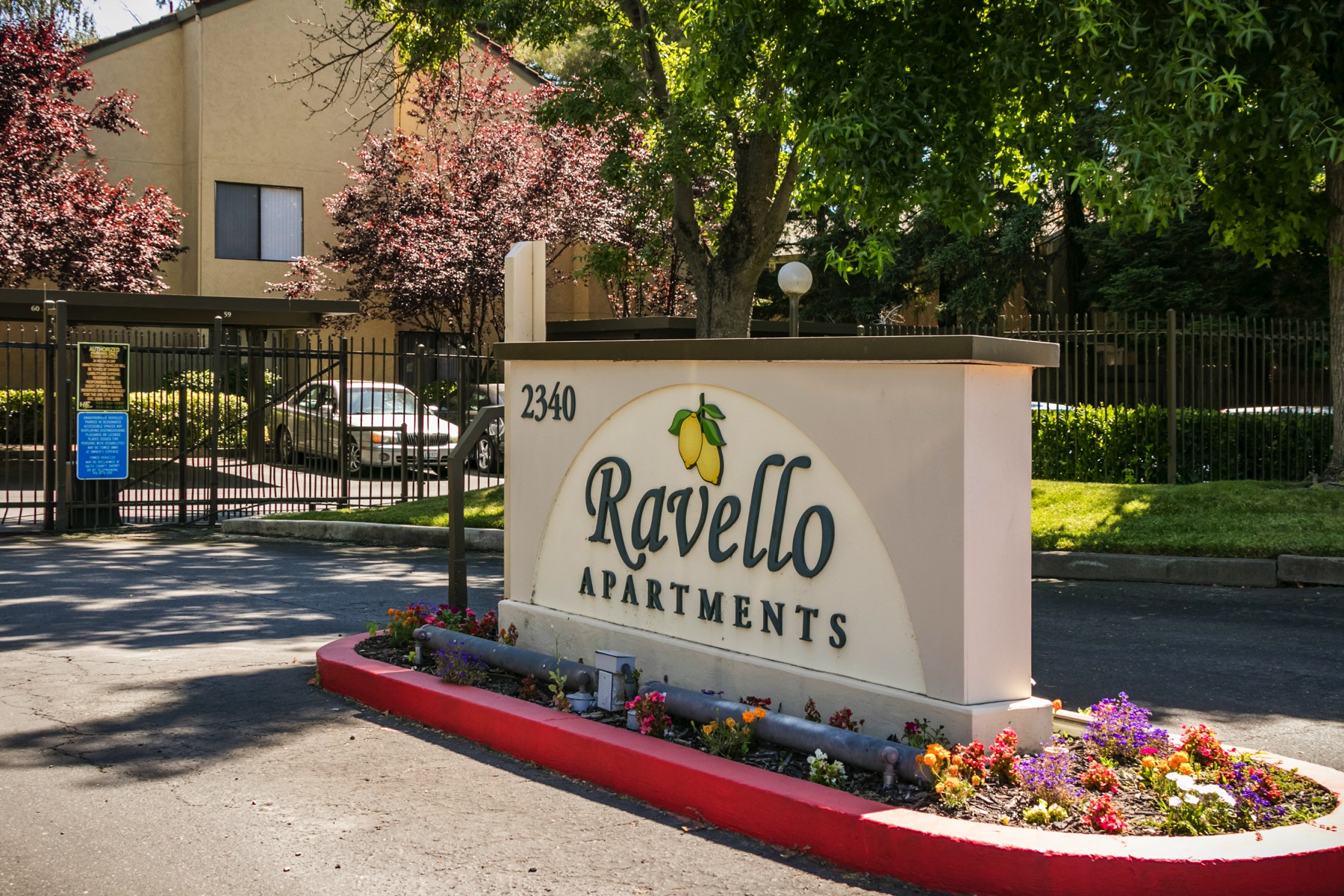 Ravello Apartments 4